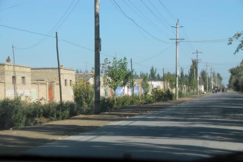 そこからは細めの田舎道。<br /><br />ちょっとトイレ休憩をば・・・