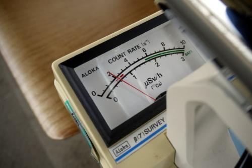 示した値はこの通り<br /><br />やっぱり、けっこう高いなという印象です<br /><br />※検出器のキャップを外して測定しています