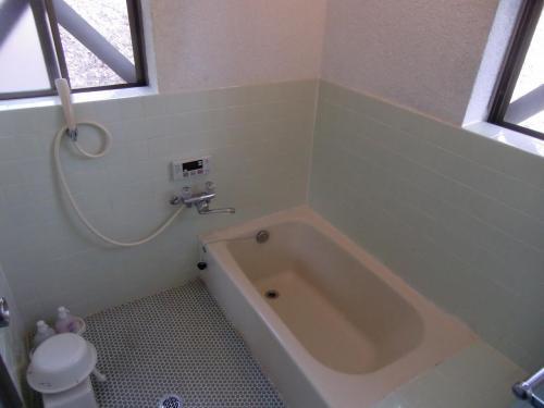 広いバスルーム。