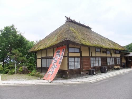 駒ヶ根はソースかつ丼が有名です。<br /><br />こちらはホテル二人静直営の「東右衛門」というレストラン