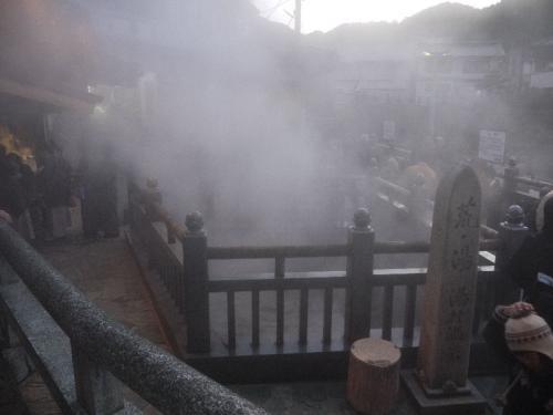 湯けむりだらけの湯村温泉。
