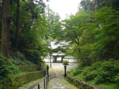 浄土院です。<br />ここは比叡山延暦寺の開祖、伝教大師、最澄さんの御廟所だそうです。