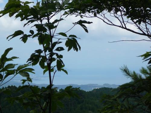 玉体杉の所からは、東に滋賀県・琵琶湖が。。。