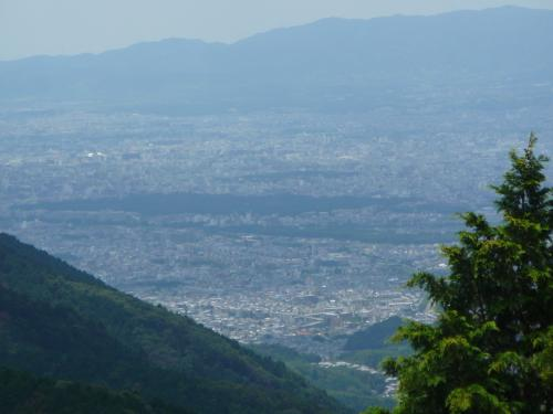 そして西には京都府・京都御所を見ることができます。