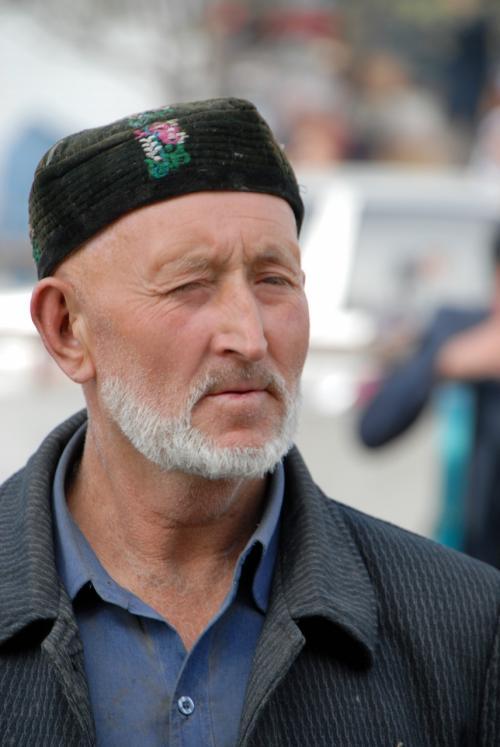 維吾爾人の特徴たる顔つきの人たちを、うじゃうじゃ見かけますね。