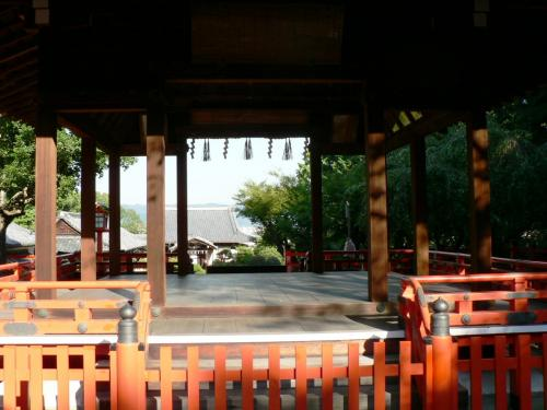 建勲神社(たけいさおじんじゃ)境内の光景。