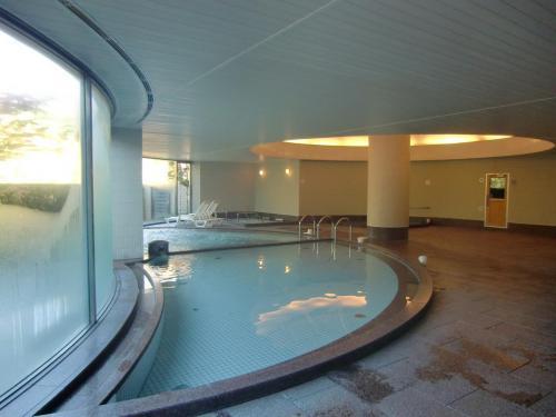ここの大浴場は広々としており、込みあうことはない。サウナ、寝湯、打たせ湯、気泡湯、主浴槽(写真)と揃っている。