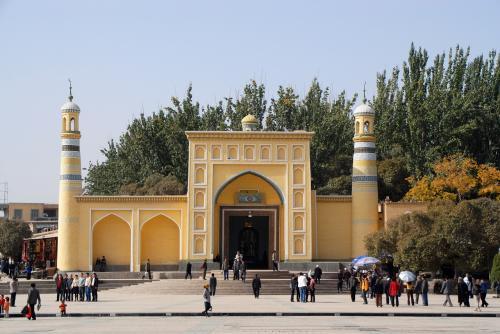 本命のエイティガールモスクを真正面から。