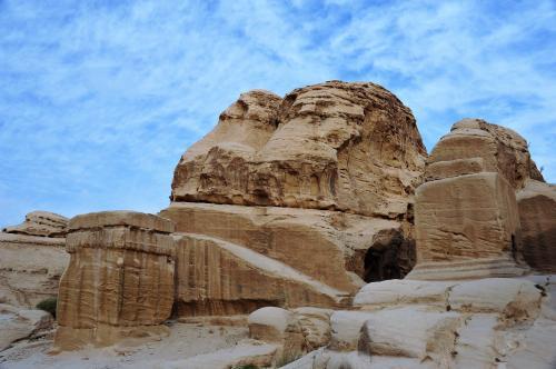 BC50ーAD50<br />ズゥ・シャラー神を象徴するジン(精霊)の岩