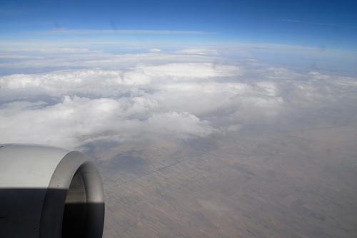 晴れ渡る空から大地の見学です。