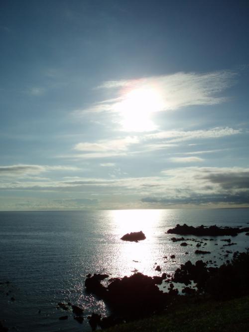 海は刻々と表情を変え、見ていて飽きることがありません。<br />