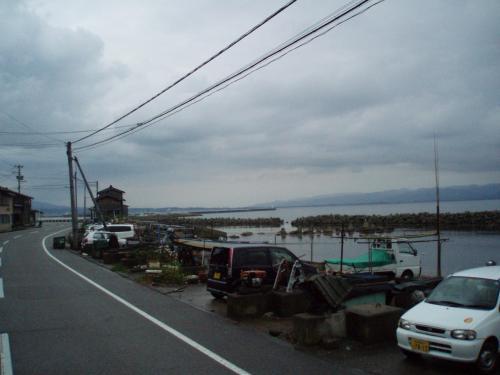2日目。<br />ホテルの前のバス停から七浦線で海を見ながら佐和田に向かいます。<br />