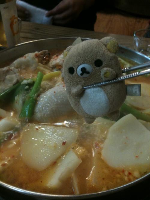 ぐつぐつ煮えました。<br />食べてよしです。<br /><br />あ、あれ?焦げ子っ!