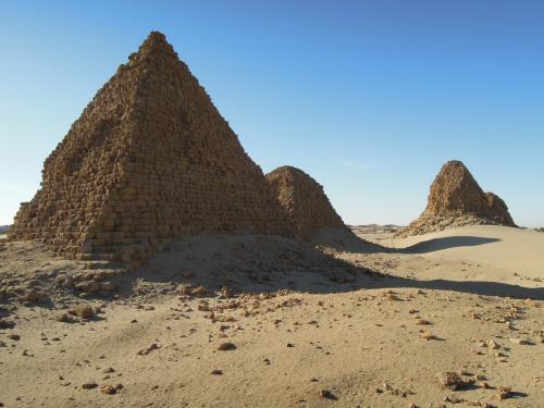 タハルカ王の墓