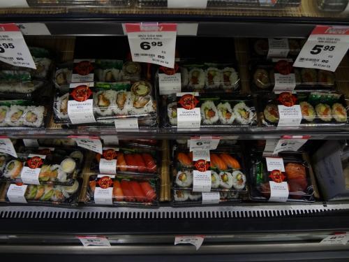 お寿司。和食人気なんでしょうね。