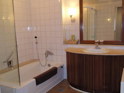 バスルームもとっても広いです。<br /><br />しかもトイレは別なのです。<br />この点、気に入りました。