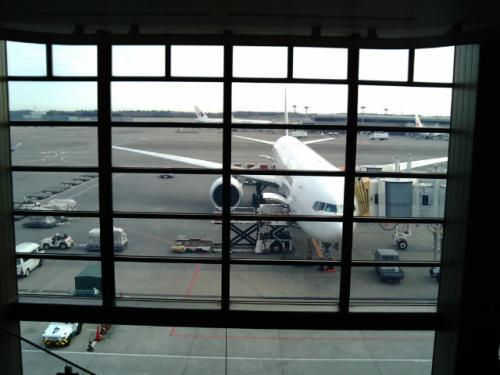 今回の旅行手配は、成田〜マニラは「トラベルコちゃん」で検索して、オールウェイズに依頼しました。<br />フィリピンの国内線は、ネットで予約発券しました。<br />マニラのホテルはいつも飛び込み。<br />アンヘレスはメールフォームから直接予約。<br />サバンとエルニドのホテルはagodaで予約しましたが、サバンには行けず<br />プエルトプリンセサのホテルに飛び込みで泊まりました。