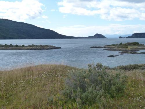 ビーグル水道から入り組んだラパタイア湾を眺めます