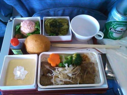成田→台北の機内食