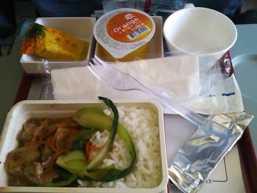 台北→マニラの機内食