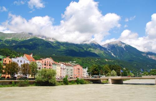 美しい山並みと、かわいい家々、そして澄んだ空気。