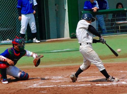 京浜の選手、いいバットコントロールだなぁ。