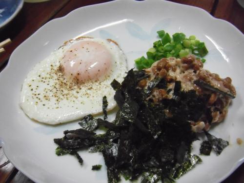 ・2011/4/9<br />これは最強でした!目玉焼き納豆です。<br />生卵より断然スキ!
