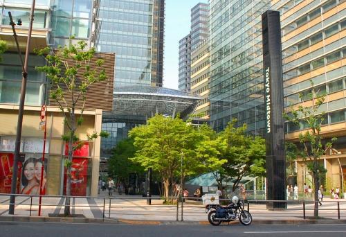 東京ミッドタウンですよ。<br />土曜日なのに、きました。