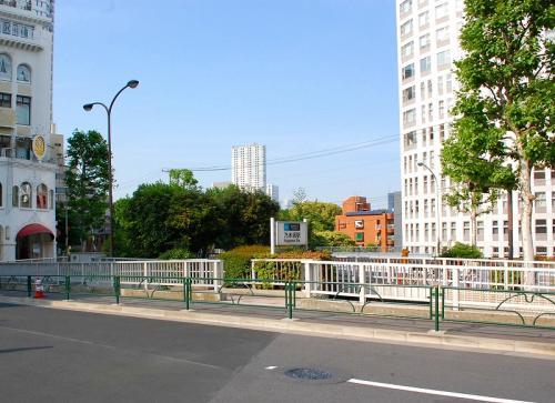そして、乃木坂駅。<br />神宮球場を目指します。