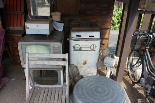 見た事の無い冷蔵庫を発見。