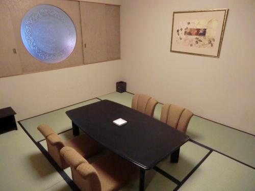 和室(写真)はラージタイプとそれ程違いは感じられない。リビングルームが充実しているので、ここは寝室のみになりそうだ。