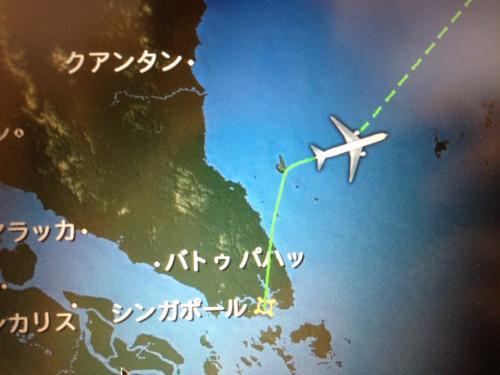 9月11日(火) シンガポールから帰国<br /><br />朝一番早いAM5:00のシャトルバスでホテルからチャンギ空港第1ターミナルへ。あとは成田経由で帰るだけ。<br />シンガポールを発った飛行機は、一昨日までいたティオマン島の方向に進み、島のすぐ手前でクイっと東にターン。最後まで楽しませてもらいました。<br />帰りのフライトは予定通り。午後9時過ぎに帰宅。充電完了。