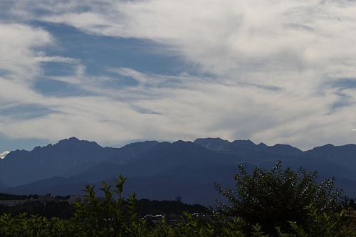 08:55<br />北陸道・呉羽サービスエリアからの立山連峰。天気上々。