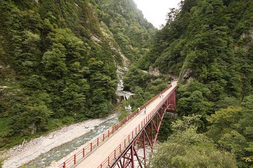 13:21<br /><br />足湯も堪能したので名剣温泉方面へ行ってみましょう。