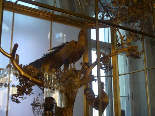 超有名なクジャクの時計<br /><br />ポチョムキン将軍からエカテリーナ2世への<br />プレゼント<br /><br />テレビでこれを動かすところをやっていた<br /><br />