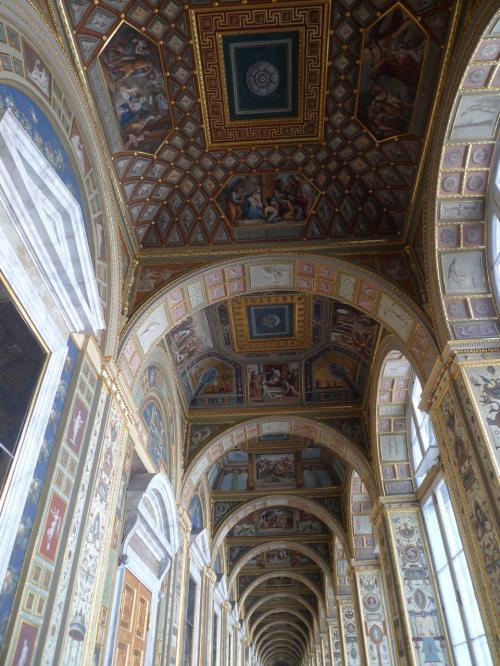 ラファエロの回廊<br />本物はヴァチカンで見ております