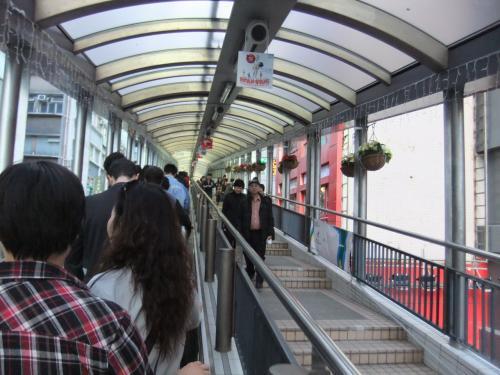 今回は「香港タッチ」で時間がないため、見所をひとつに絞った。<br />行ったのは、ヒルサイド・エスカレーター。