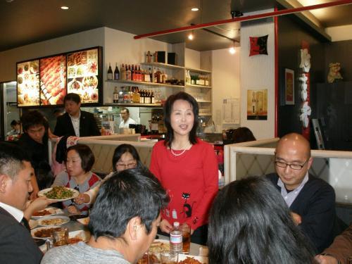 来賓の挨拶<br /><br />在日朝鮮族女性会会長 全貞善(笠井白水)さん<br /><br />全さんはとても明るい方。この後、更にキラキラと・・・