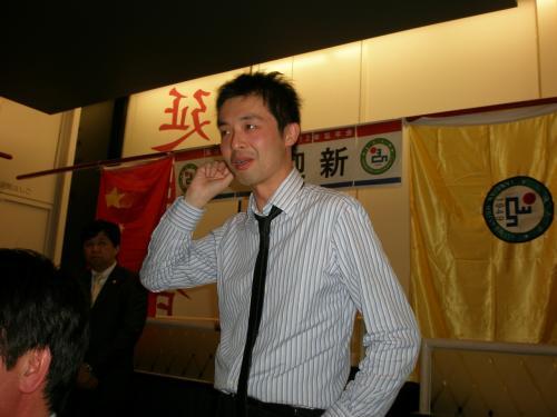 元延辺大学留学生、K社の一井さんの挨拶<br /><br />一井さんは、午前中国語、午後韓国語、夕方以降は家庭教師をつけて両言語学習。留学生の鏡のような人でした。