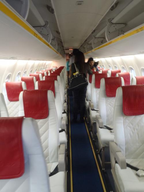機内の様子。<br />フライトアテンダントは2名乗っています。