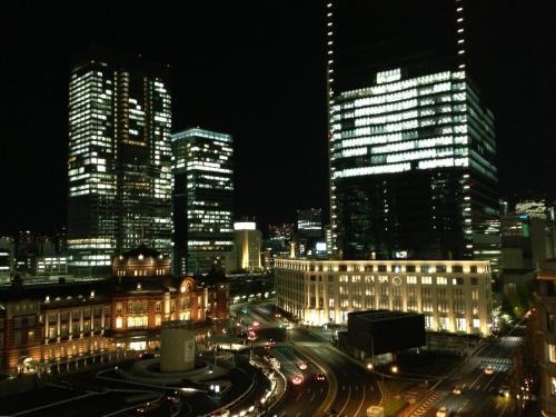 丸の内南口を望む。<br /><br />近代と現代が共存する、東京ならではの風景です。