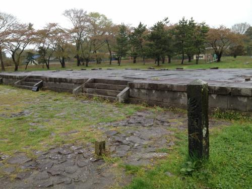多賀城跡<br /><br />ここで政務が執られていたのですね。<br /><br />何もない跡ですが、ここにきて当時を想像しているだけで興奮してしまいます。