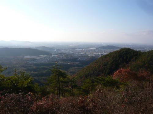 各務原市方面の眺望。<br />1週間前に訪れた犬山城や名古屋駅前の高層ビル群も見えました。