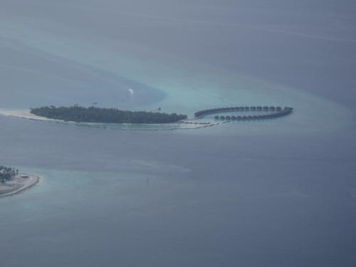 同じダール環礁になる「ヴィルリーフ・ビーチ&スパ」が見えてきました!