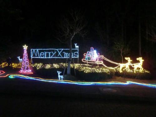ここ3年連続でクリスマスのエクシブ鳥羽に来ているが、イルミネーションは年ごとに充実してきてる感じがする。拍手!