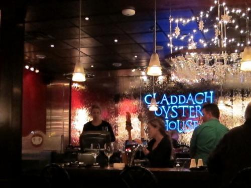 今夜のディナーはCladdagh Oyster House<br /><br />島に来たらまずは海鮮、いやシーフード!
