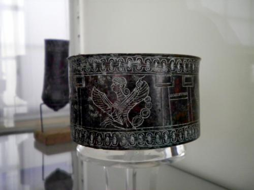 ユーラシア 東へ19: テヘラン ペルシャ五千年の歴史 「イラン国立博物館」2(3ページ)