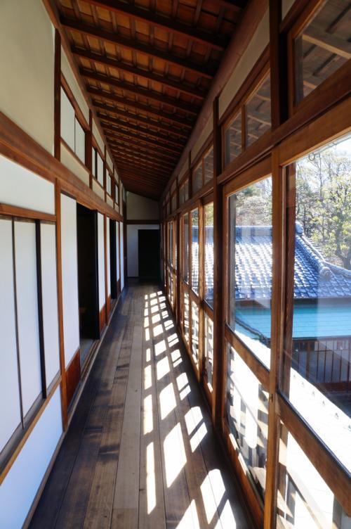 でも当時は、この付近一帯がすべて屋敷だったようですから、東京一の米穀商だった朝倉家は、半端でないお金持ちの家だったんでしょうね。