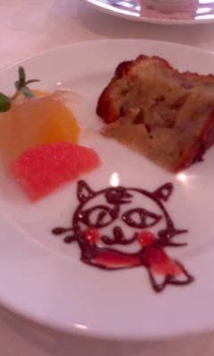 デザートのりんごケーキ