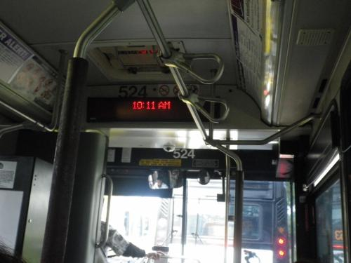 THE BUS <br />運賃先払いで1回 $2.50